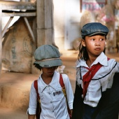 school-girls-vietnam-mui-ne