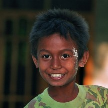 indonesia-timor-portrait-smiling-boy