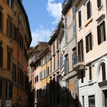 rome-italy-building-jewish-quarter