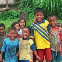 smiling-kids-laos