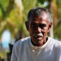 blind-man-timor-indonesia