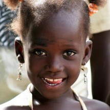 portrait-smiling-girl-senegal