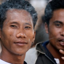 portrait-smoking-man-indonesia