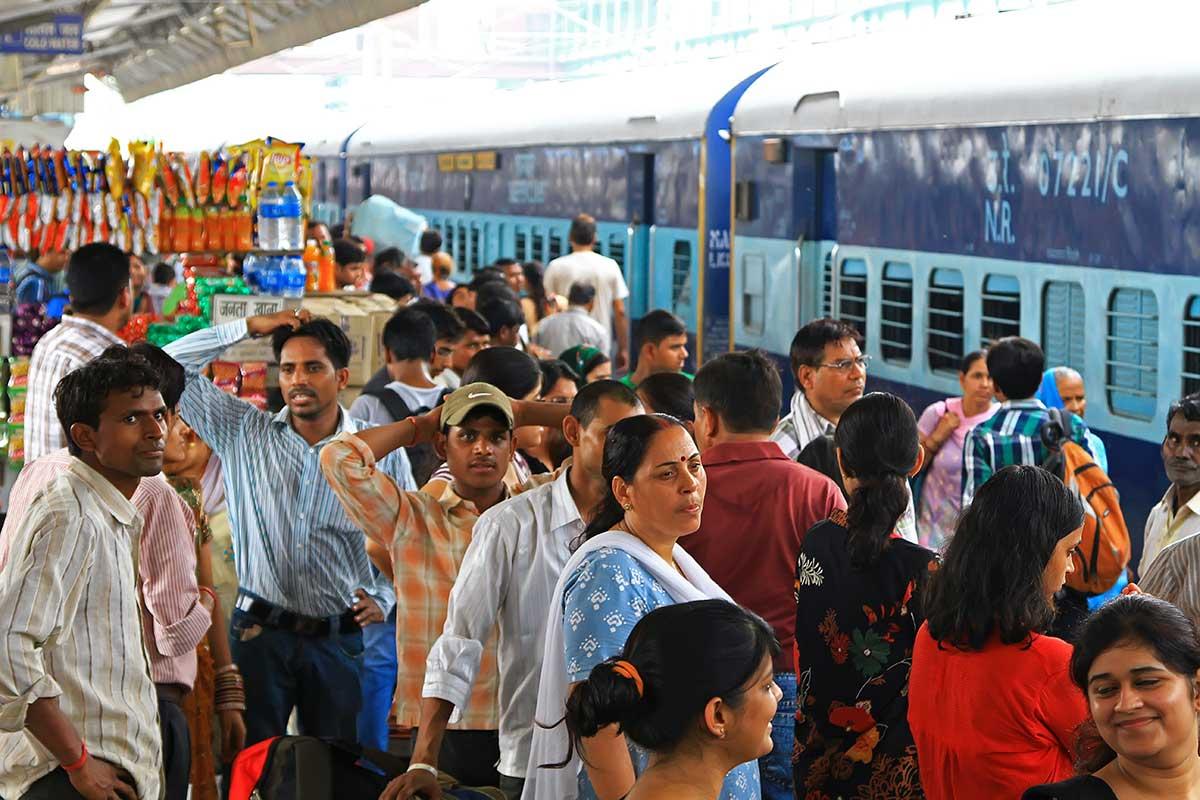 corwded-train-station-new-delhi-india