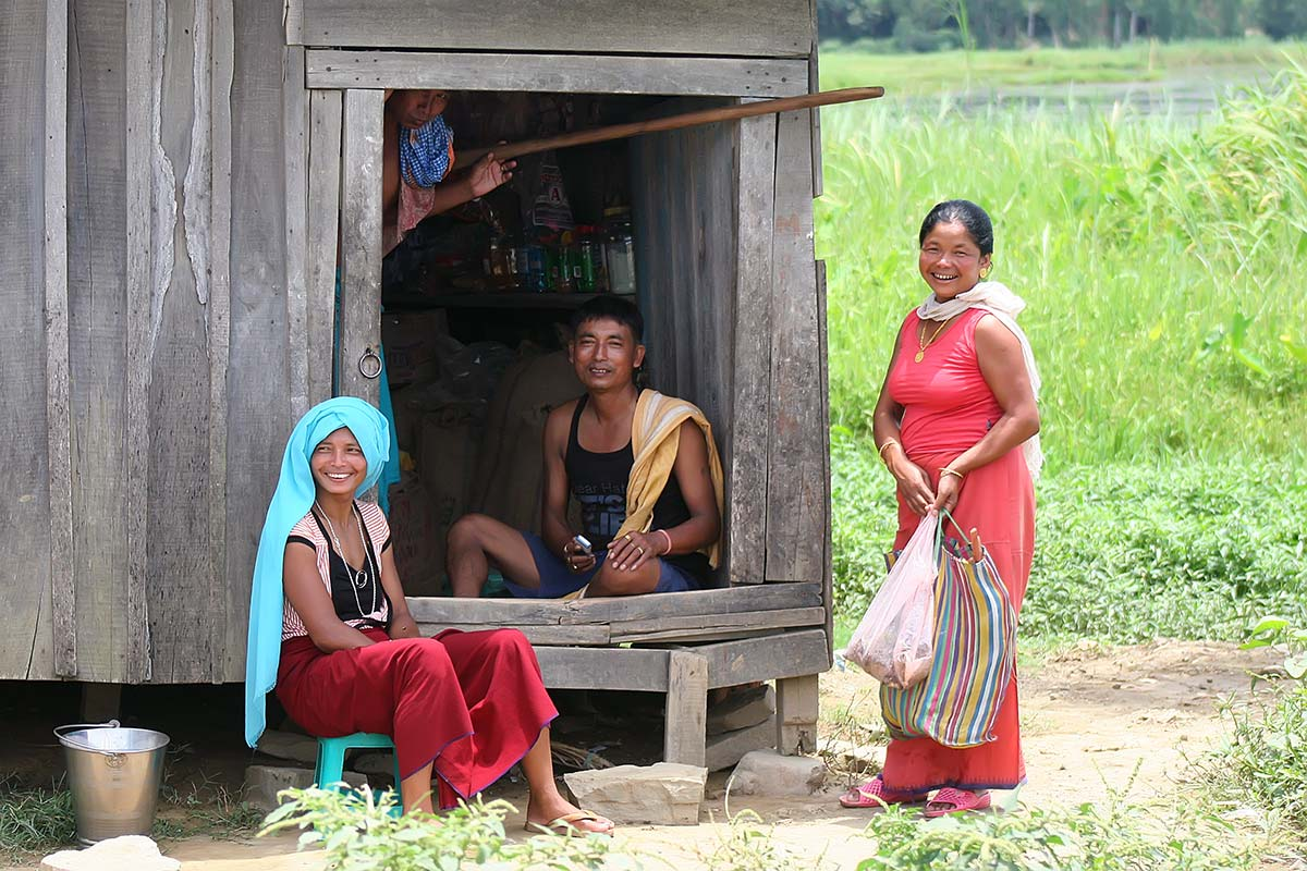lake-logtak-family-imphal-india