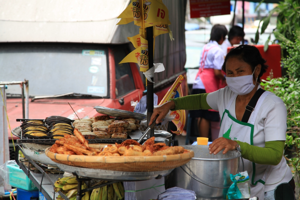 A food vendor in Chinatown.