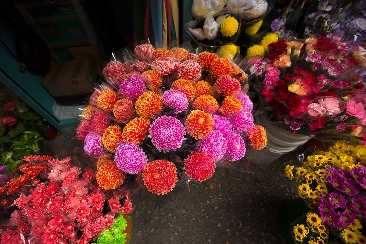 Lots of lovely smelling flowers can be found at Pak Klong Talat market.