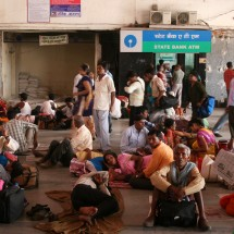 Train stations in India are bound to be packed with people.