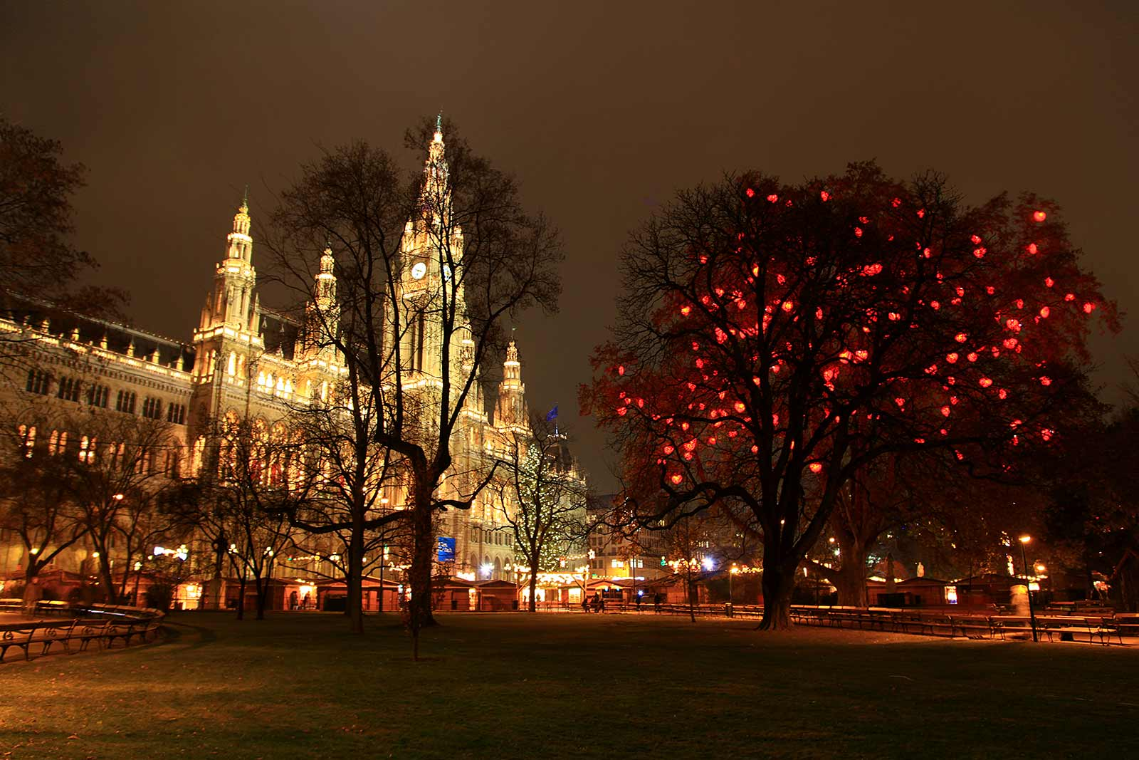 the only thing i like about the christmas market in front of the rathaus is the
