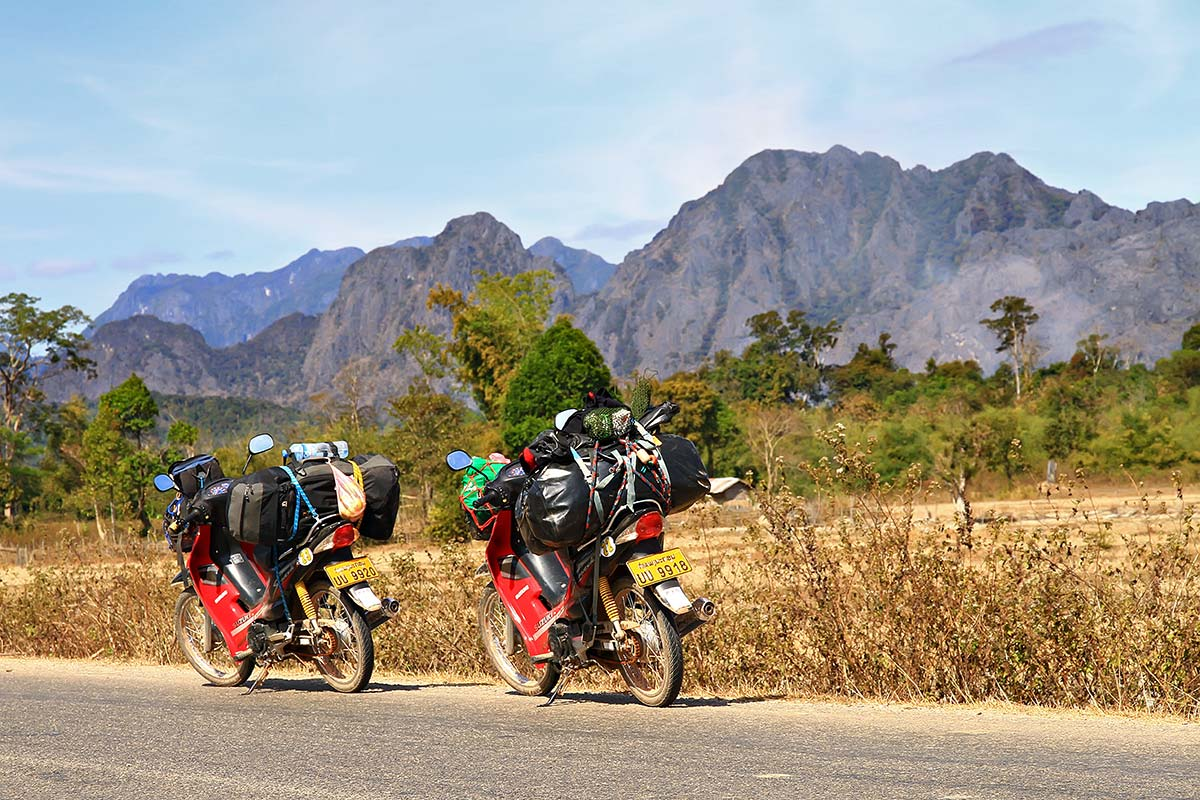 the-loop-motorbike-laos