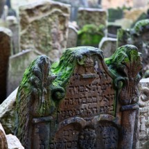 jewish-graveyard-prague-czech-republic