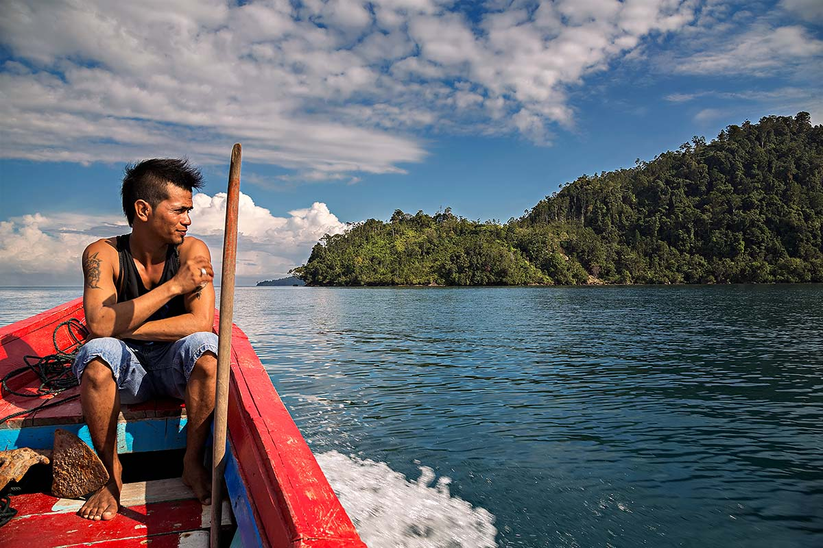Island hopping in Sumatra is a great way to explore the wonderful tropical beaches.