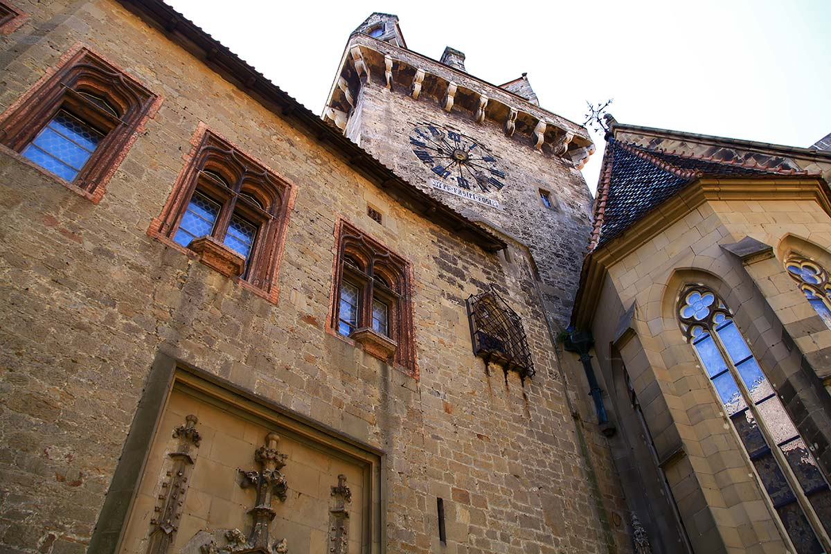 The chapel is the most magnificent building of Kreuzenstein castle and also a gem of sacral medieval craftsmanship, exemplifying the great collector's passion and the art-historical expertise of the castle's rebuilder.