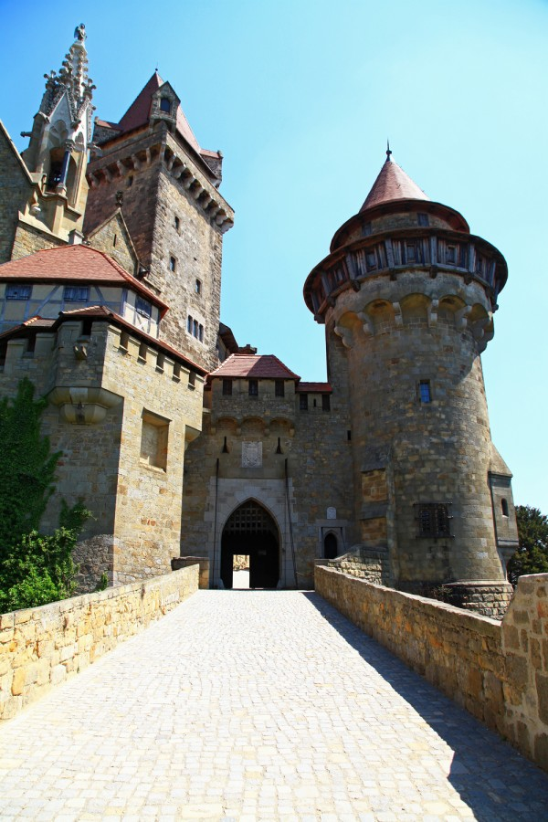 The entrace into Burg Kreuzenstein.