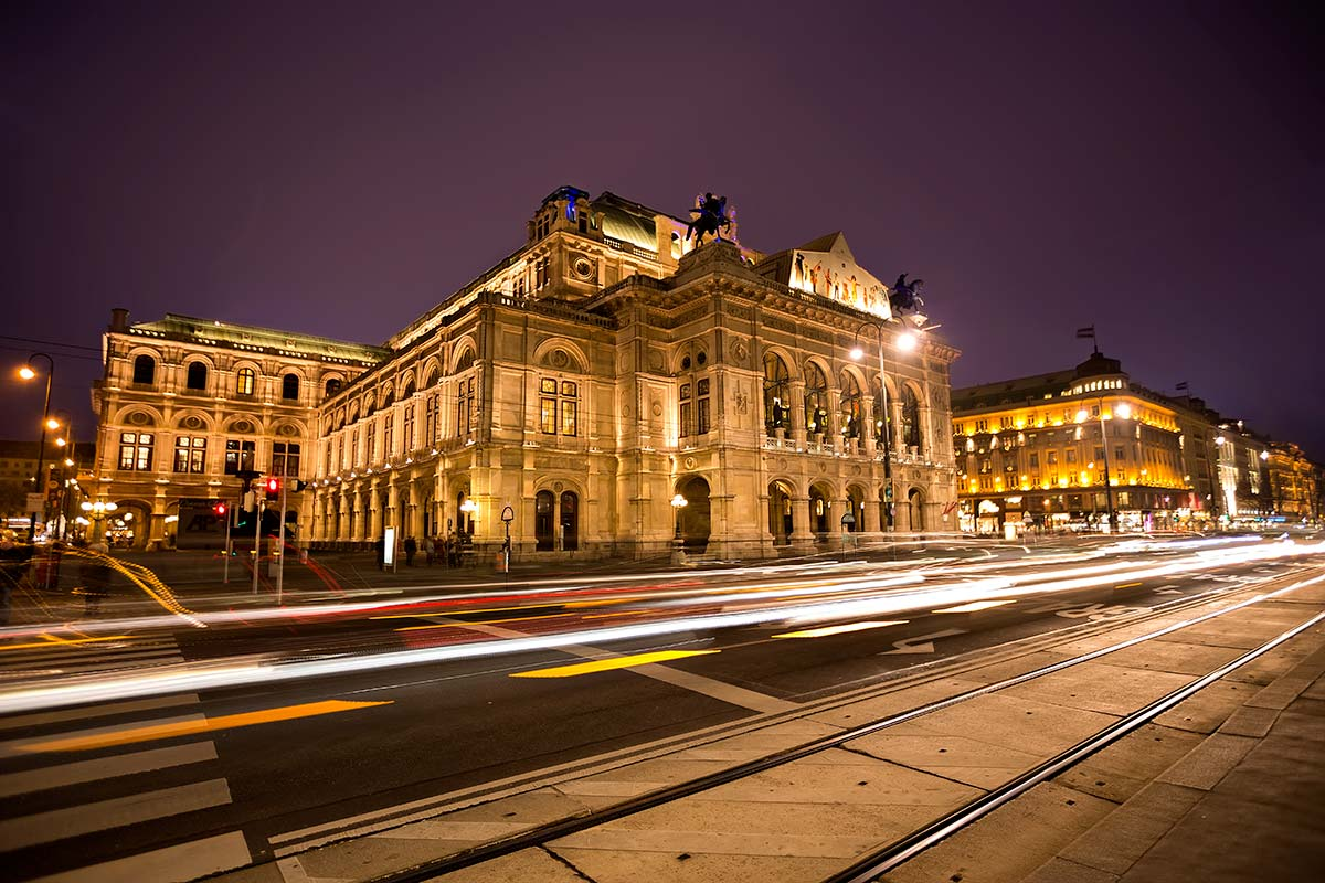 I'm a huge Opera fan, and therefore the Vienna State Opera is alsmost my second home...