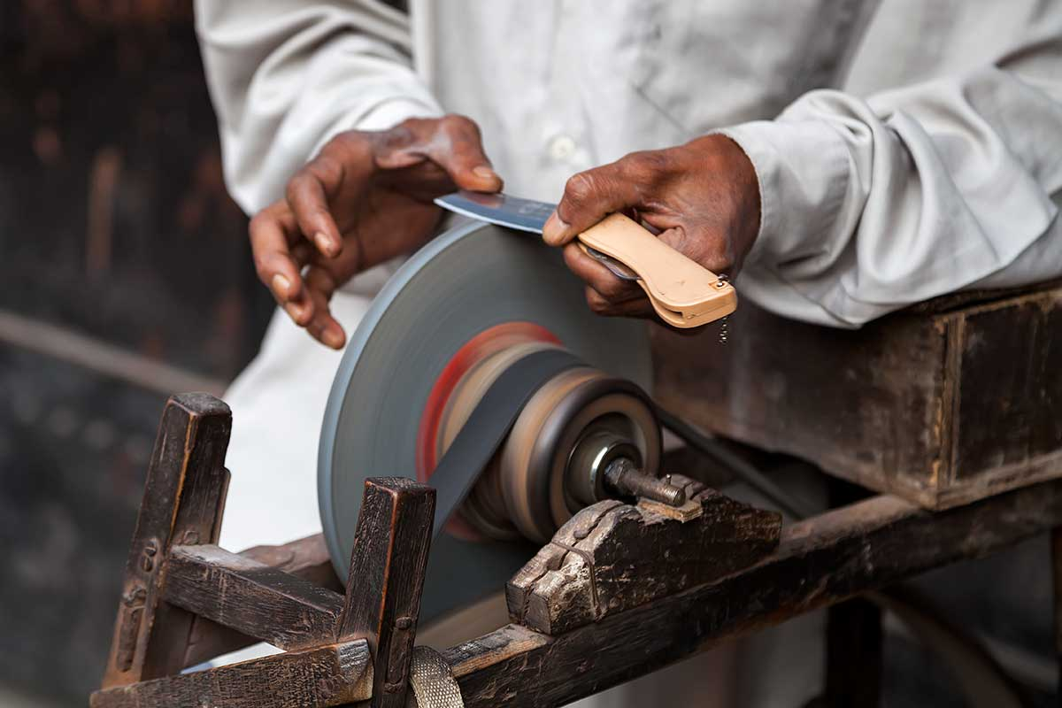 Knife sharpeners can be found all around the city of Kolkata.
