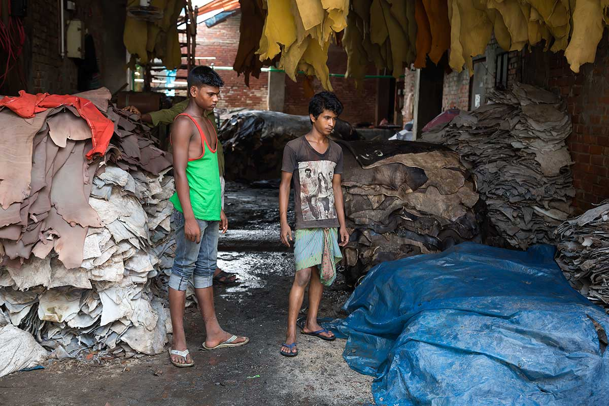 Workers process rawhides with toxic chemicals such as chromium, sulfur and manganese to name a few. They handle leather skins soaked with acids and dyes with their bare hands in poorly ventilated tanneries where often the only light coming in is through cracks and openings in the walls.