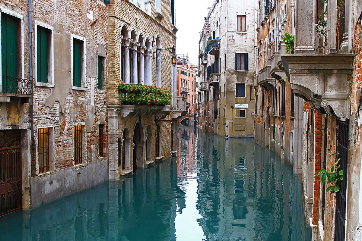 Venice a historic romantic cultural city travel for Architecture venise