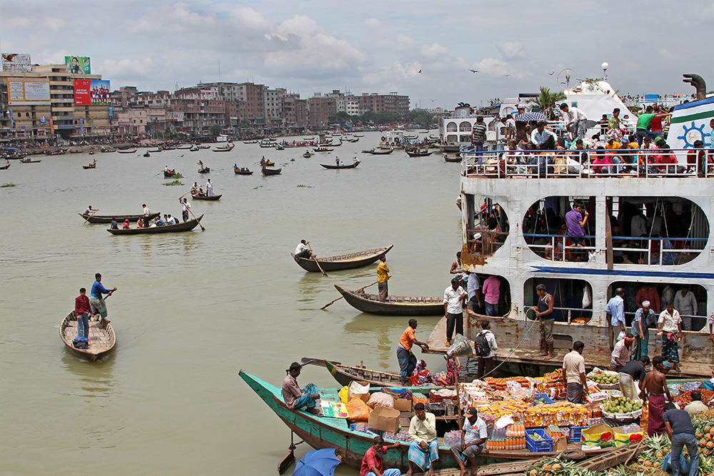 Departure from Sadarghat harbour in Dhaka, Bangladesh.