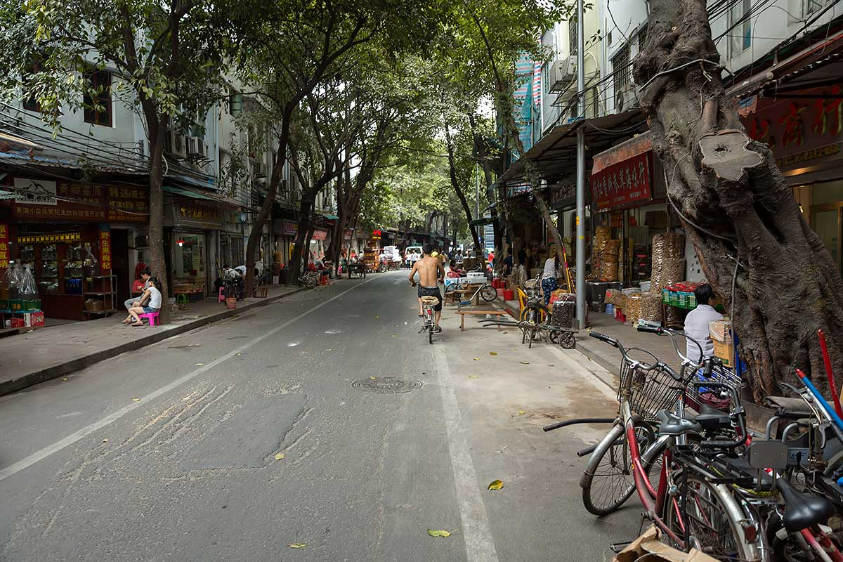 Walking through the old quarter of Guangzhou is really peaceful and a nice change to the otherwise super busy city.