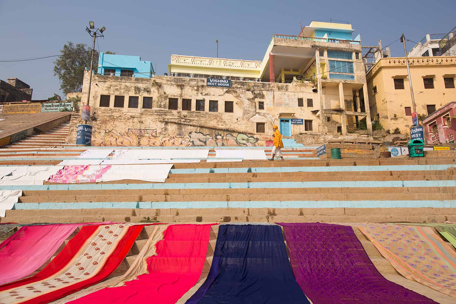 The city of Varanasi has grown along the arc of the Ganges, with the river as a focal point in one direction and growth of the city taking place in a semi-circular direction.