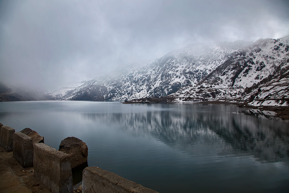 The famous lake in the East of Sikkim is know by many names. Commonly tourists refer to the lake as Changu. Other versions of the name include Tsongo Lake.
