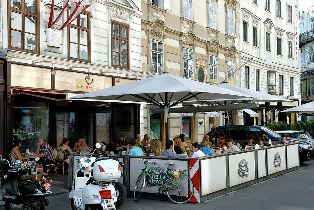 The French café Le Bol in Vienna.