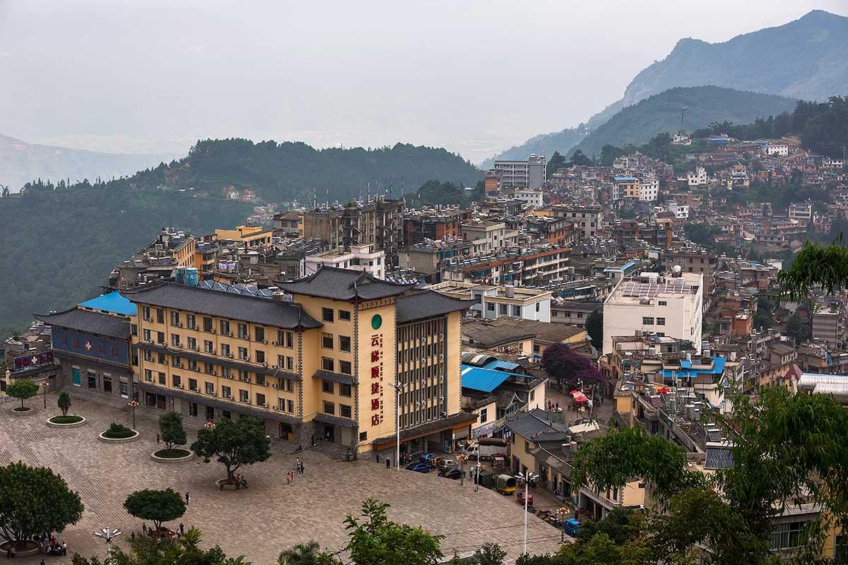 Xinjie, Old Yuanyang or New Yuanyang?! To make things complicated, if you are in Nansha, then you are in Yuanyang, and Yuangyang Old Town is Xinjie, and if you are in Xinjie, then you are in Yuanyang, and Yuangyang New City is Nansha. Got it?!