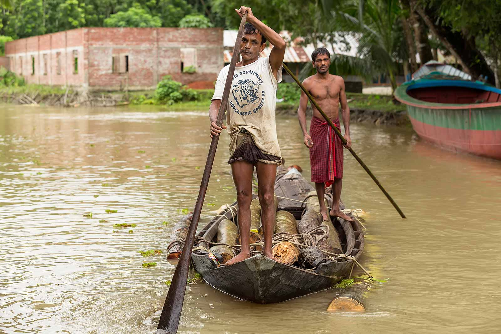 guava-plantations-boat-canal-swarupkathi-bangladesh-3
