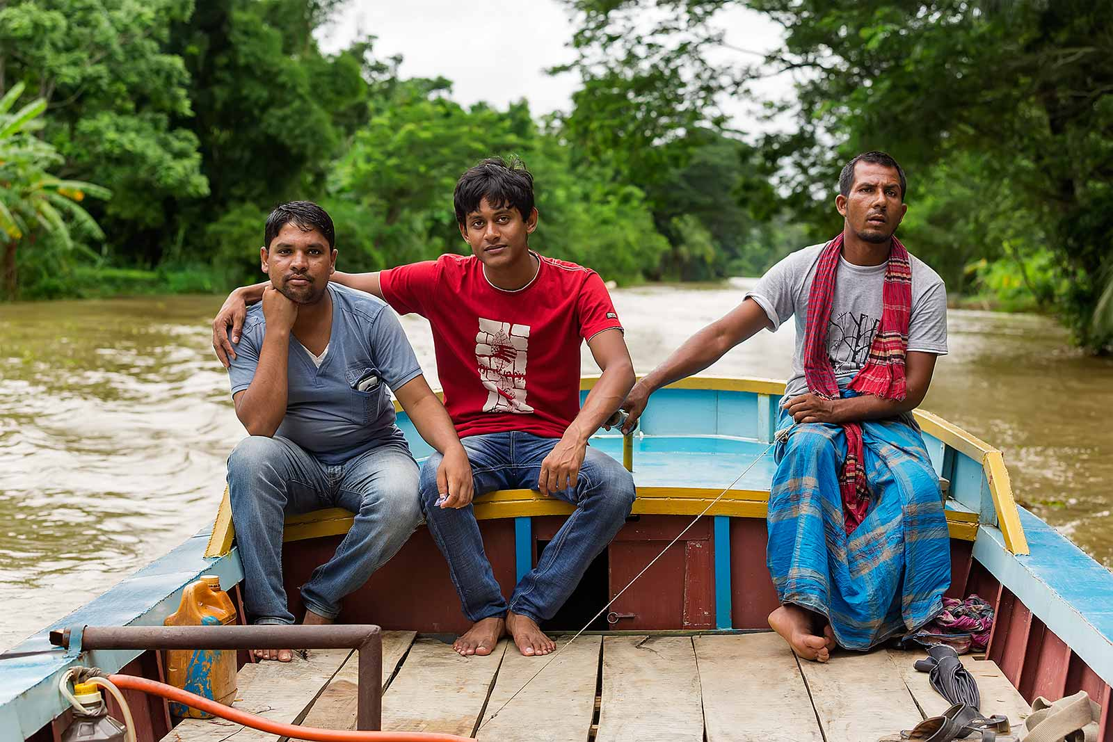 guava-plantations-boat-canal-swarupkathi-bangladesh-4