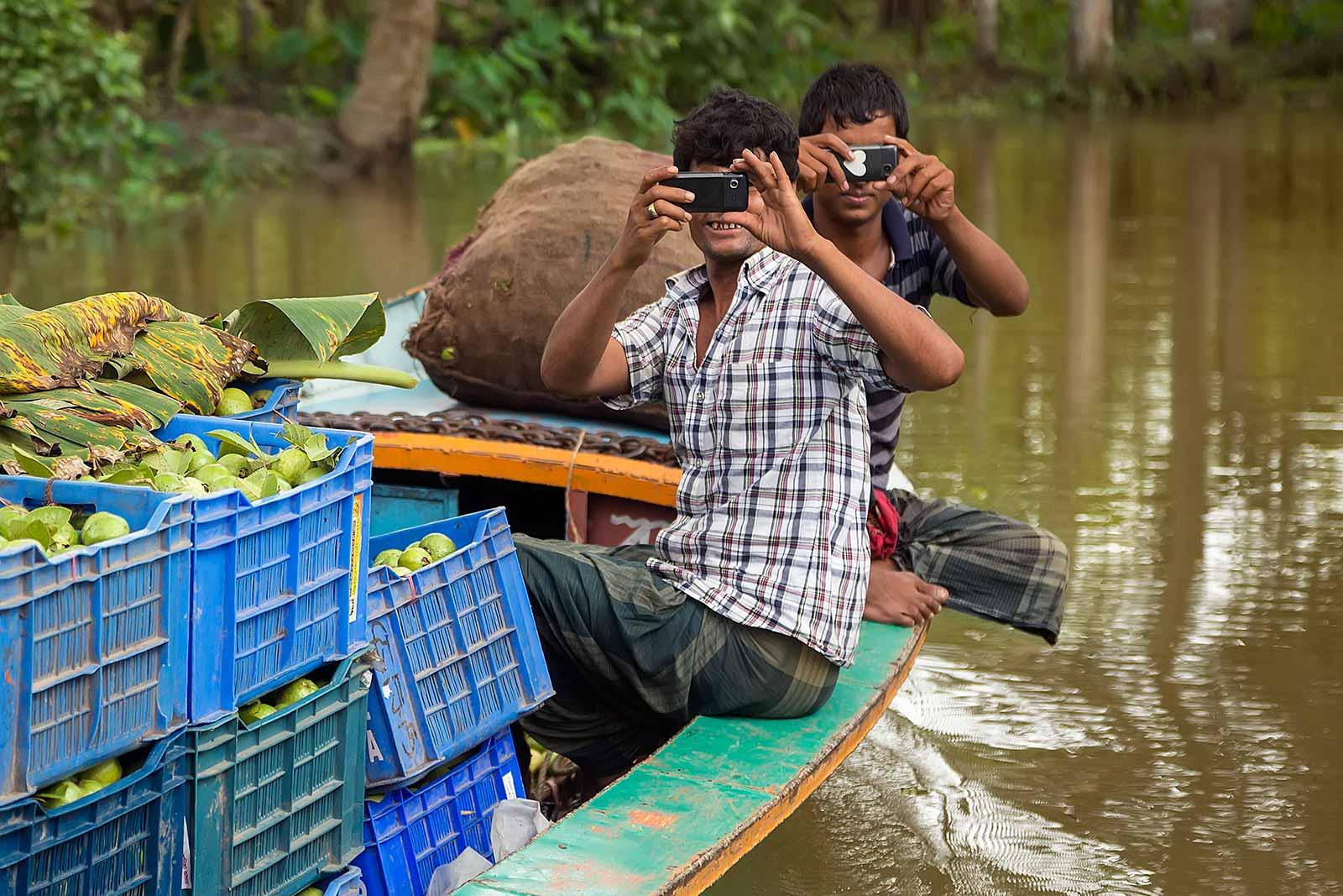 guava-plantations-boat-canal-swarupkathi-bangladesh-5