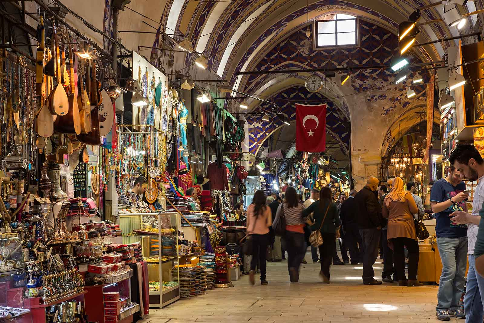 inside-the-grand-bazaar-istanbul-turkey