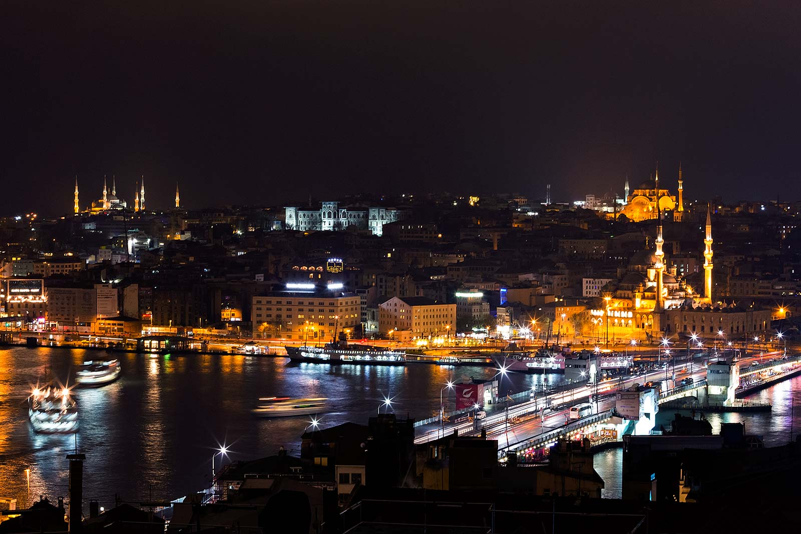 skyline-istanbul-at-night-galata-tower-turkey
