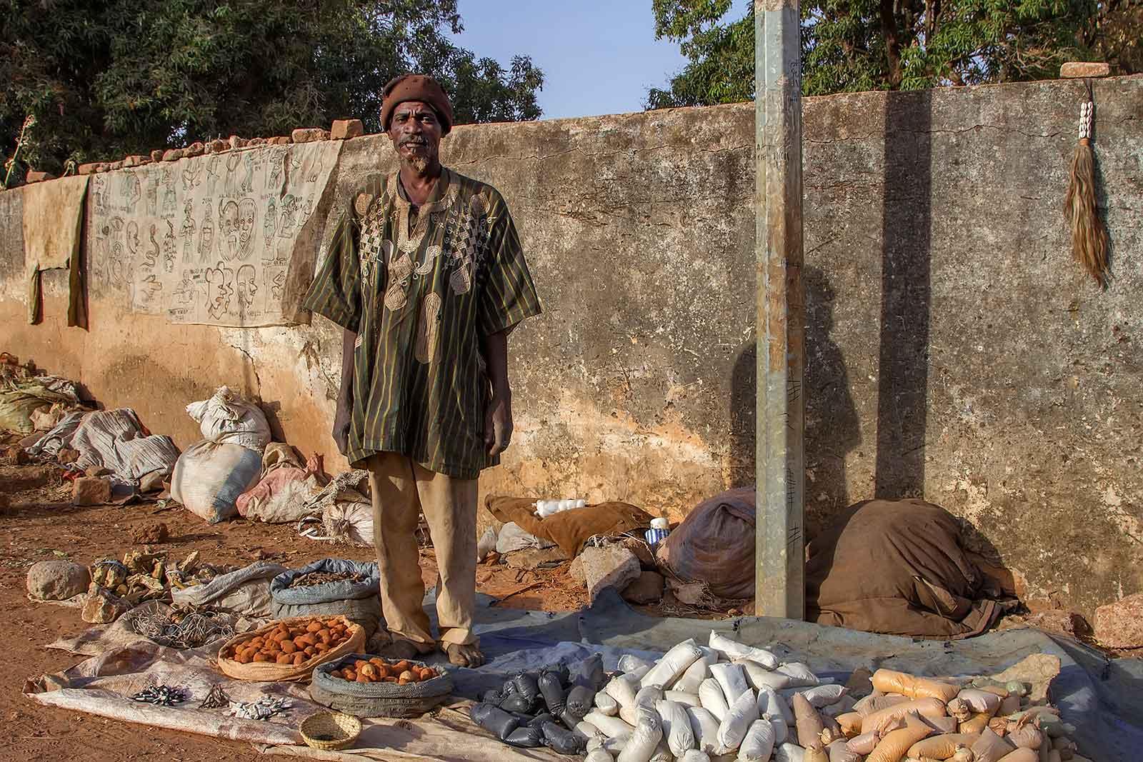 voodoo-doctor-banfora-burkina-faso-africa-4