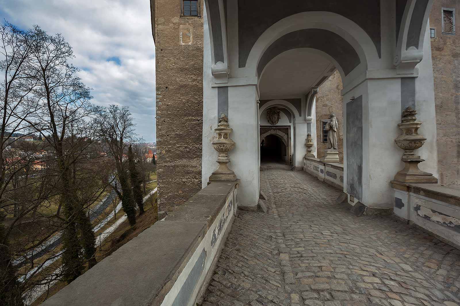 cesky-krumlov-castle-2