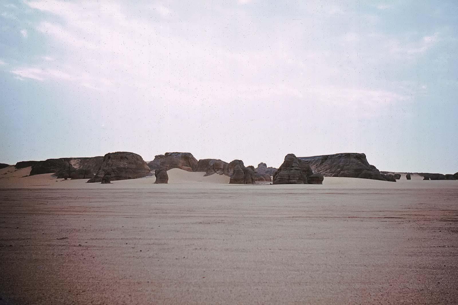 desert-egypt-trucking-africa-unimog