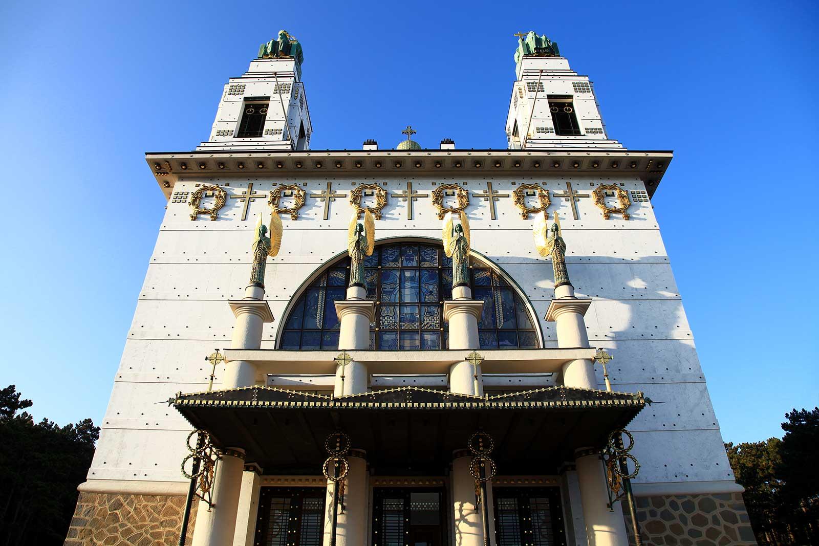 otto-wagner-church-steinhof-grounds-vienna-2