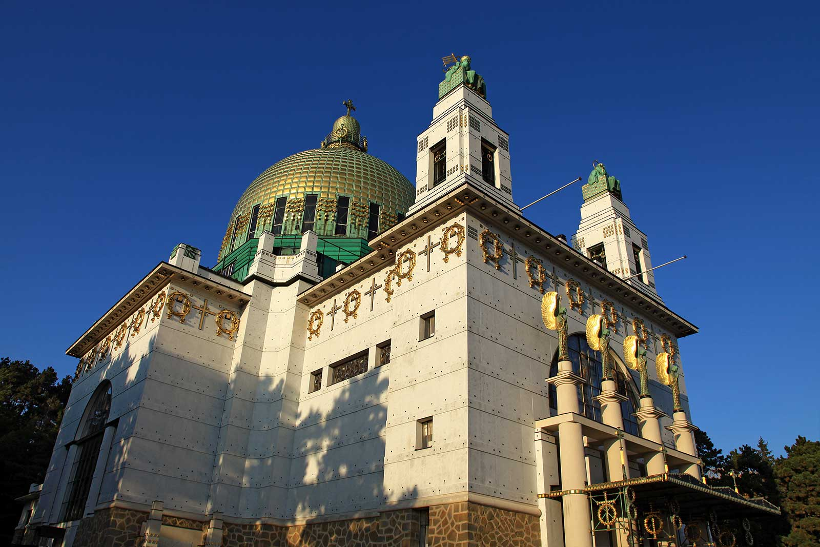 otto-wagner-church-steinhof-grounds-vienna-4