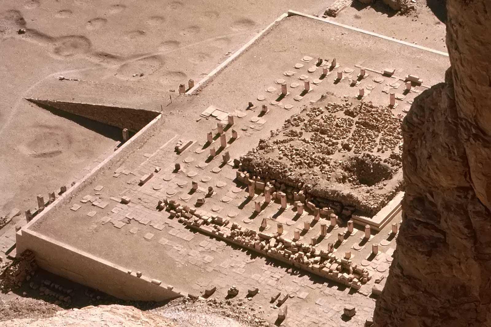 Temple-of-Queen-Hapshepsut-luxor-egypt