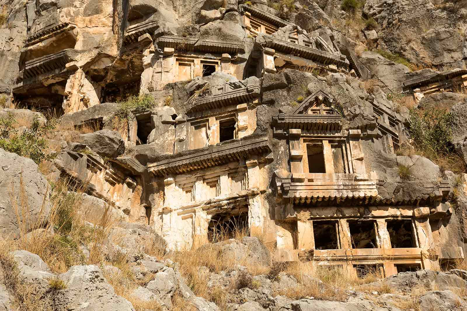 myra-demre-lycian-tombs-turkey-4