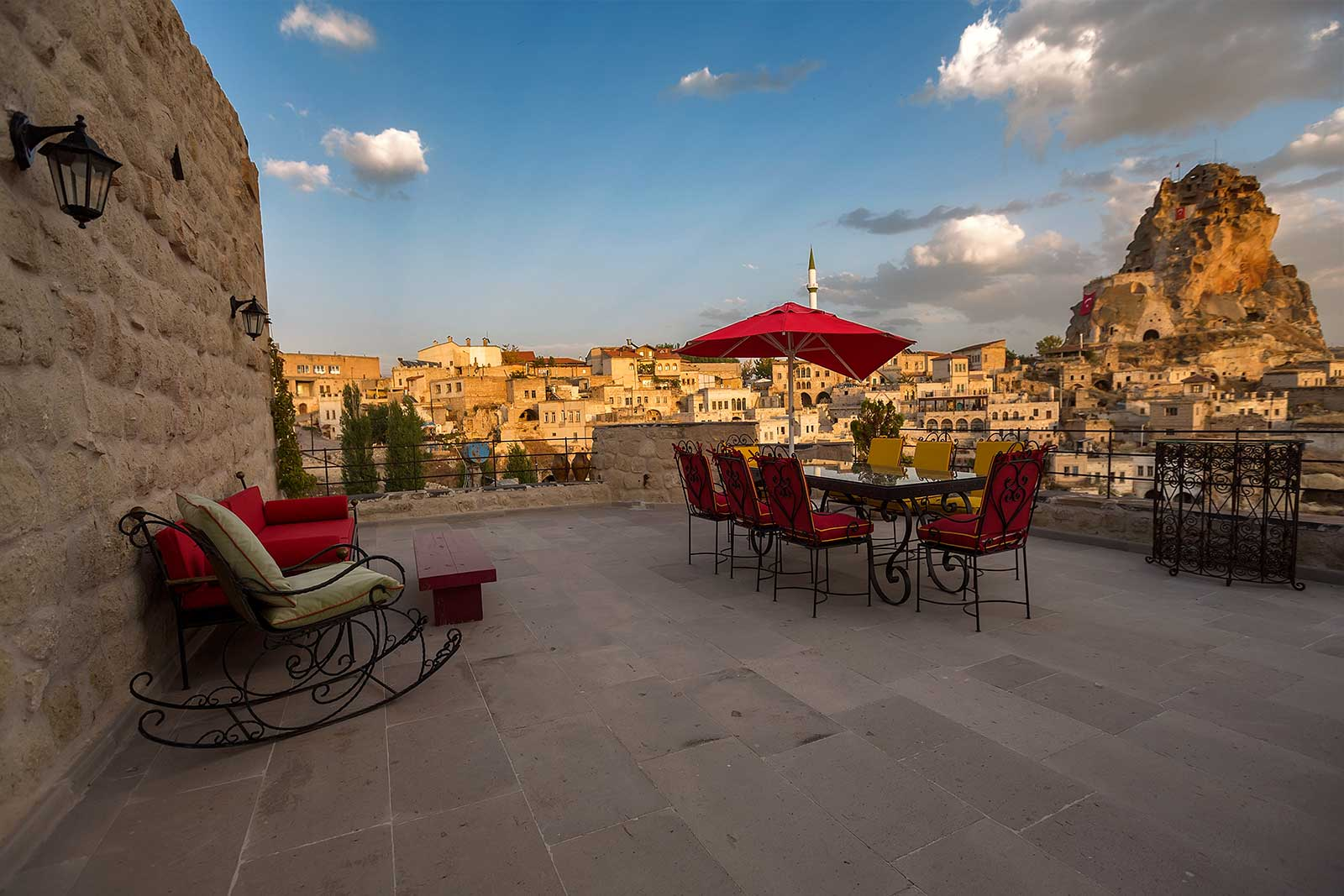 Heven Cave Hotel in Ortahisar has several beautiful terrace to enjoy the stunning view.