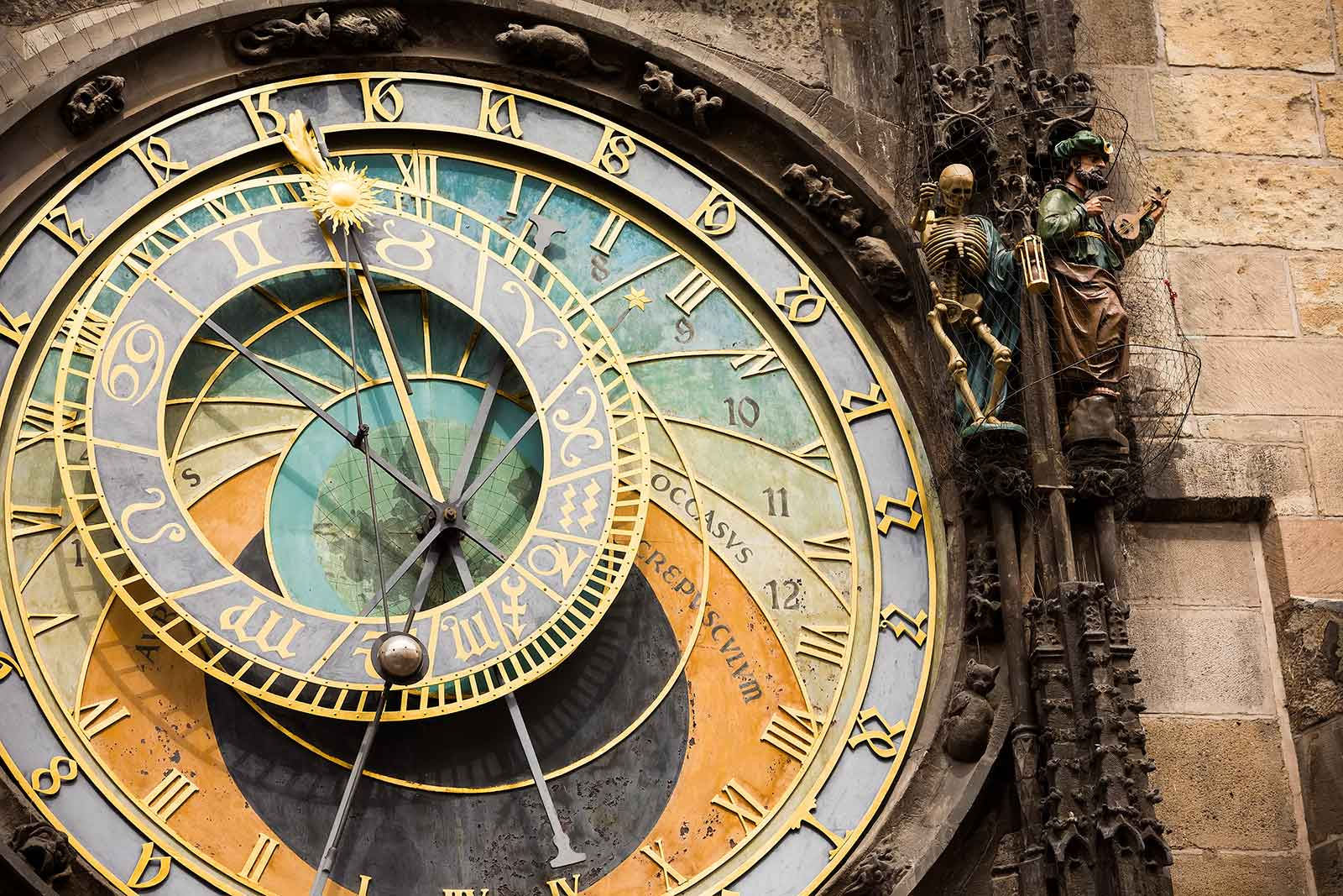 To fully appreciate the Astronomical Clock, join the crowd in front of the tower to watch the procession of the Twelve Apostles: on the hour, every hour, a small trap door opens and Christ marches out ahead of his disciples, while the skeleton of death tolls the bell to a defiant statue of a Turk.