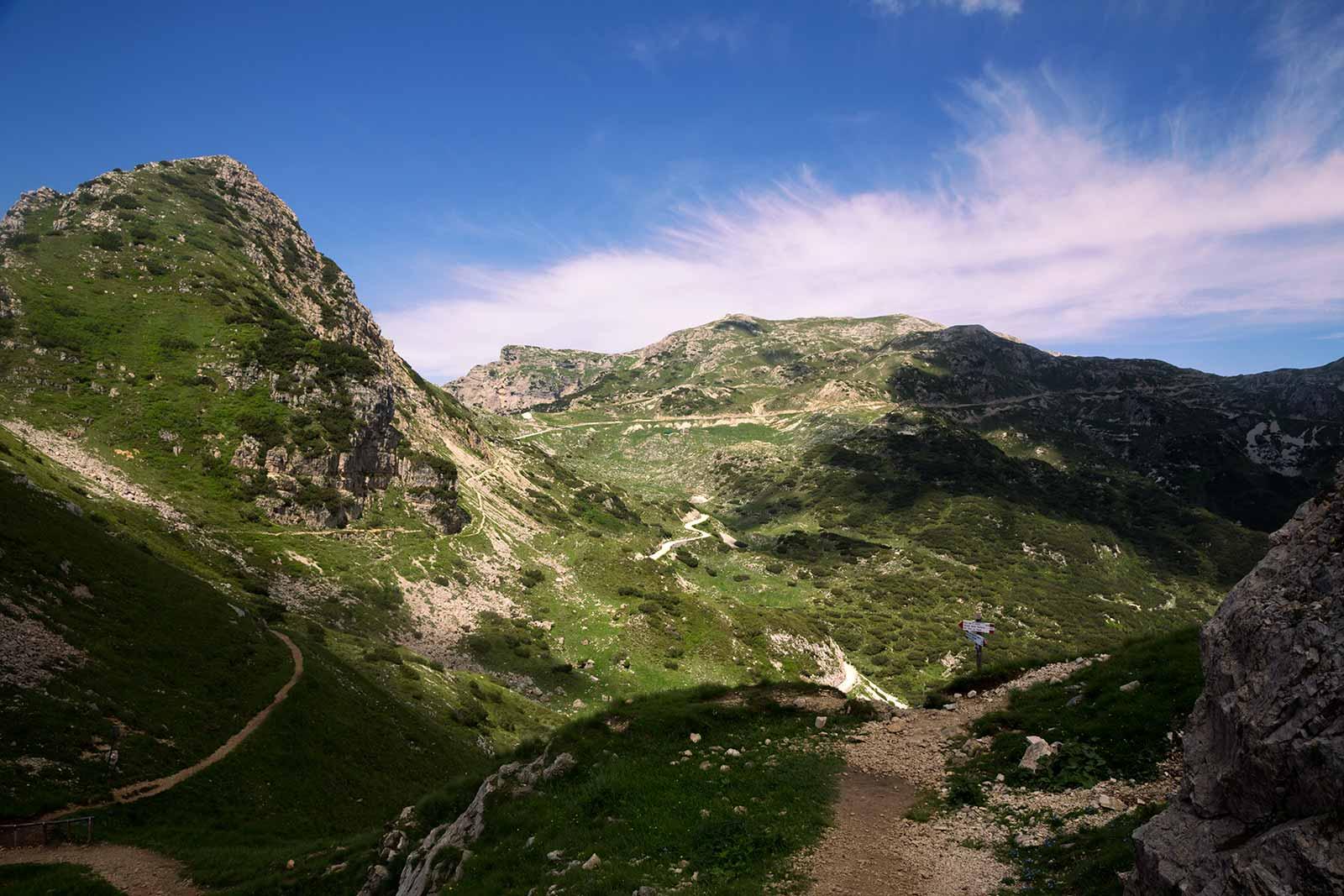 Strada delle 52 Gallerie starts at Bocchetta di Campiglia (altitude of 1216 m) and ends at the Porte del Pasubio (altitude of 1928 m).