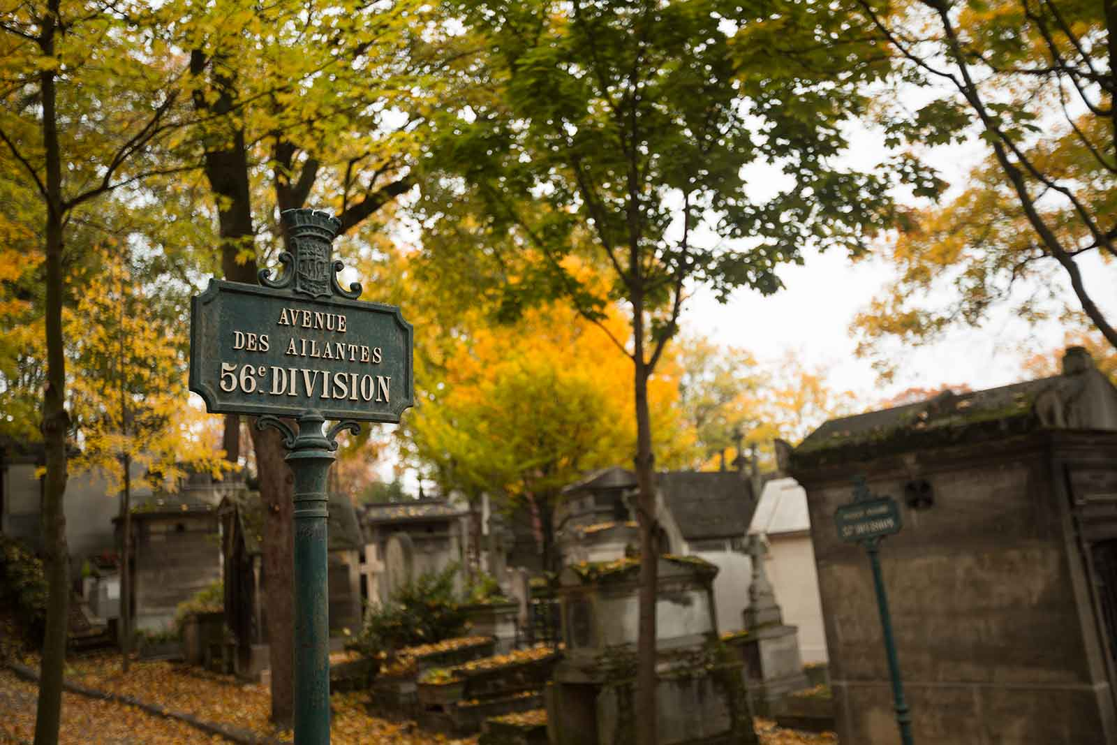 Pere Lachaise is laid out in numbered divisions, and the divisions are separated by roads and paths.