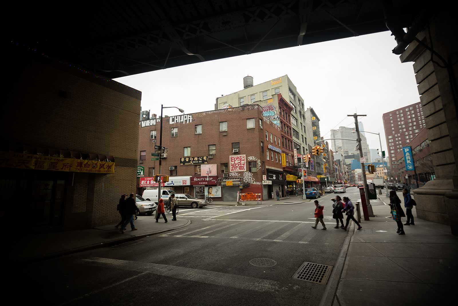 When strolling through New York's Chinatown, you'll sometimes wonder whether you're really in the United States or after all in China.