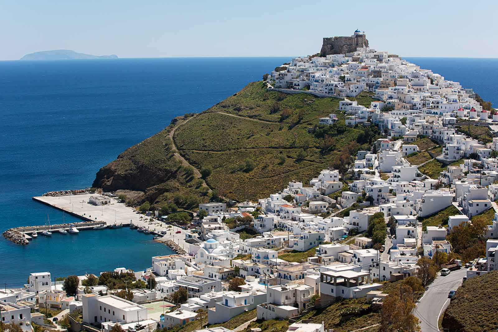 Chora is the capital of Astypalea, built on the hill slope. On top is a Venetian castle situated, known as the Querini Castle.